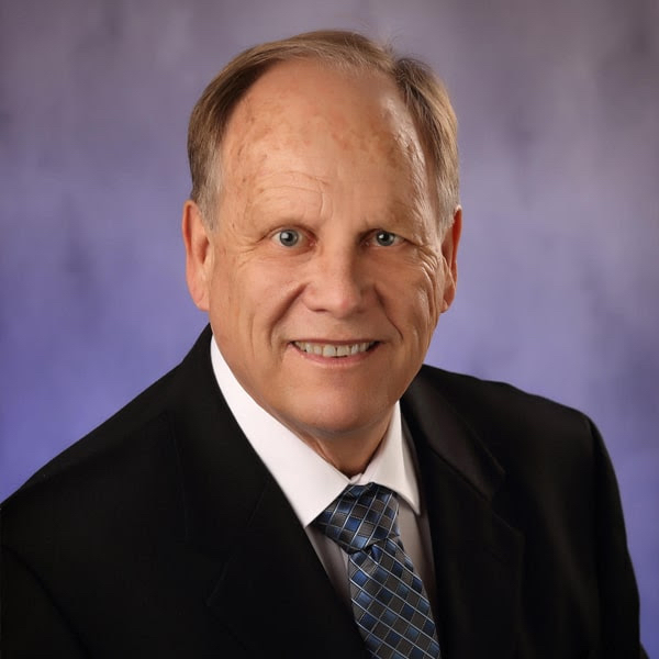 Meet Dr. Peterson - Glen Ellyn Dentist Cosmetic and Family Dentistry